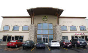 MAN LOCKED INSIDE GOLD'S GYM FOR HOURS