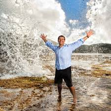 """Tony Robbins """"8 Questions"""" That Will Increase Health Club's Sales"""